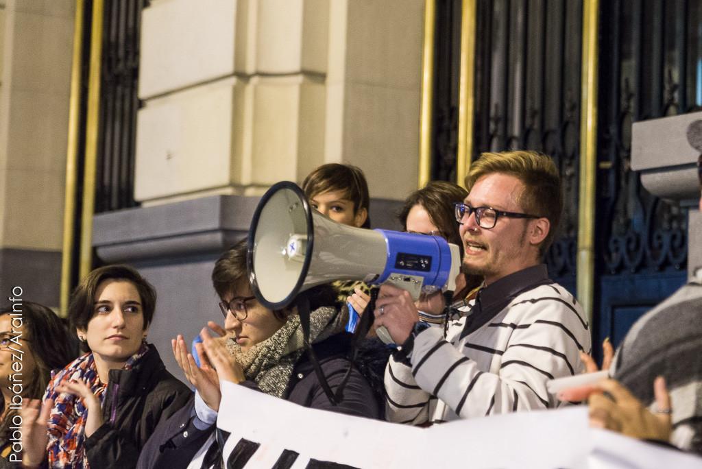 Una joven trans de Zaragoza víctima de acoso, vejaciones y amenazas