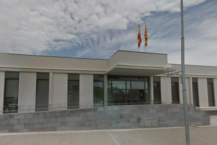 """Denuncian """"graves irregularidades"""" en el procedimiento de desahucio de dos personas jubiladas en Fraga"""