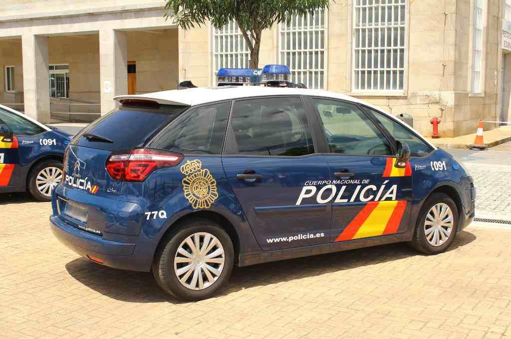La Policía detiene en el puerto de Alacant a un varón cuando intentaba abandonar el Estado español con sus dos hijas menores