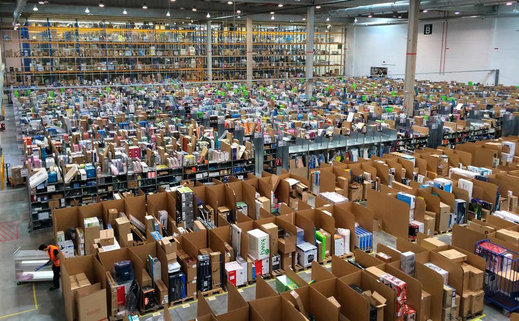 Comienzan los trámites para una huelga de 48 horas en el principal almacén de Amazon en el Estado español