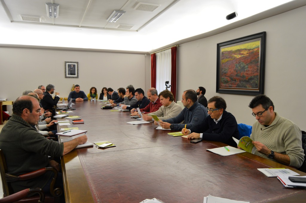 La economía solidaria de REAS llega al Ayuntamiento de Uesca