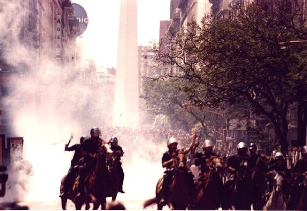 Foto: Manifestaciones 2001 en Argentina