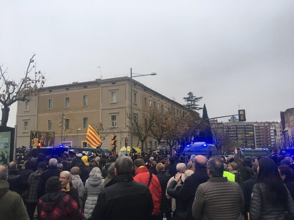 Llegan al Monasterio de Sixena 43 de los 44 bienes tras las protestas en el Museo de Lleida