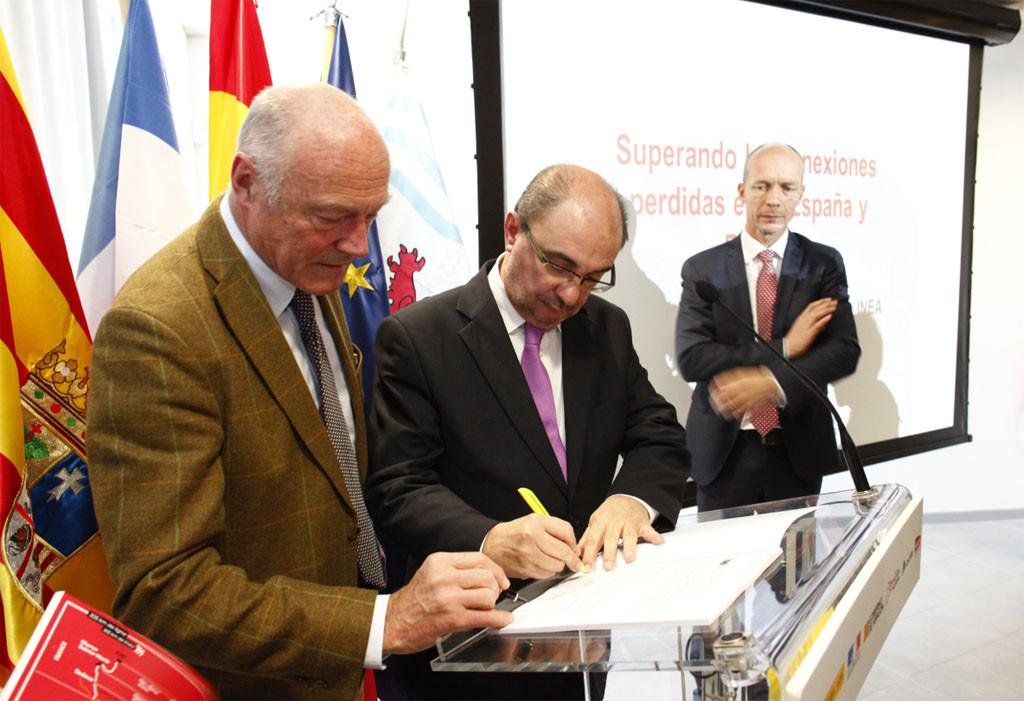 Aragón y Aquitania suscriben en Canfranc el acuerdo de subvención de Bruselas para rehabilitar la línea Pau-Zaragoza