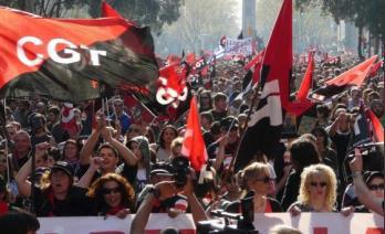Concentración ante los despidos y cierre de Spark Ibérica en Zaragoza