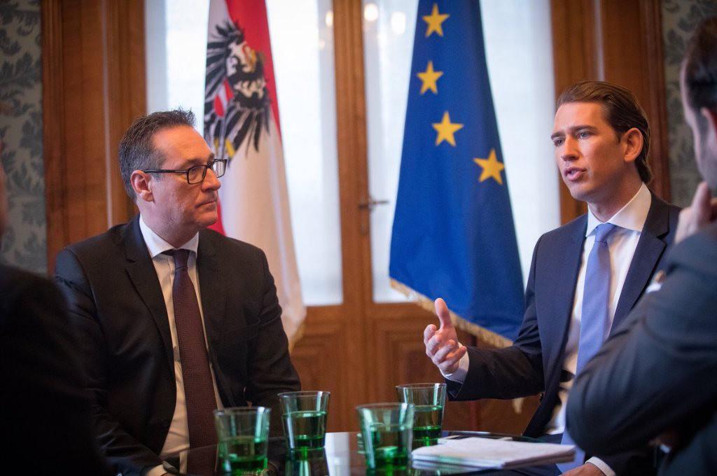La extrema derecha austríaca se queda con los ministerios de interior, exteriores y defensa