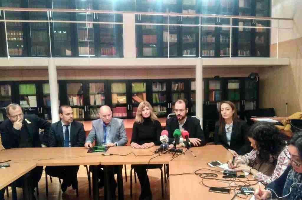 La oposición parlamentaria acuerda el fin de la huelga de las y los examinadores de tráfico