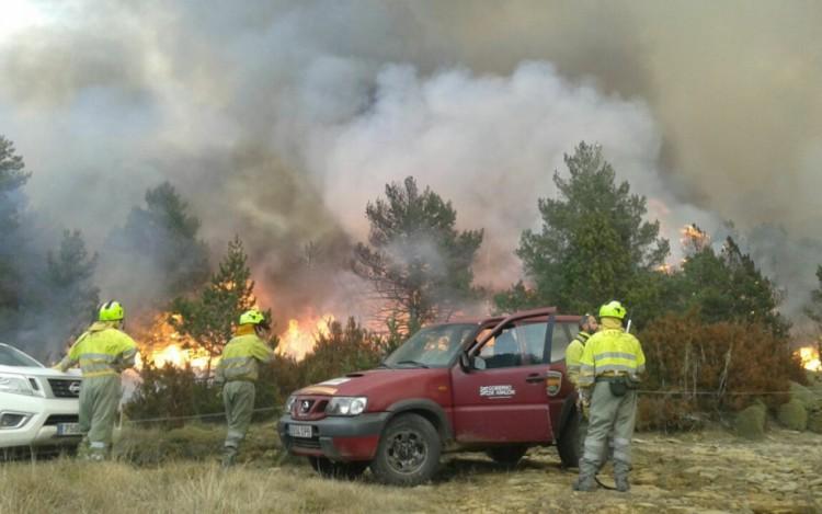 CGT, CCOO, OSTA y SCS en SARGA al Gobierno de Aragón: «Los incendios no se apagan solos»
