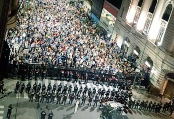 Foto: Manifestaciones en Buenos Aires (Diputado Wado de Pedro)