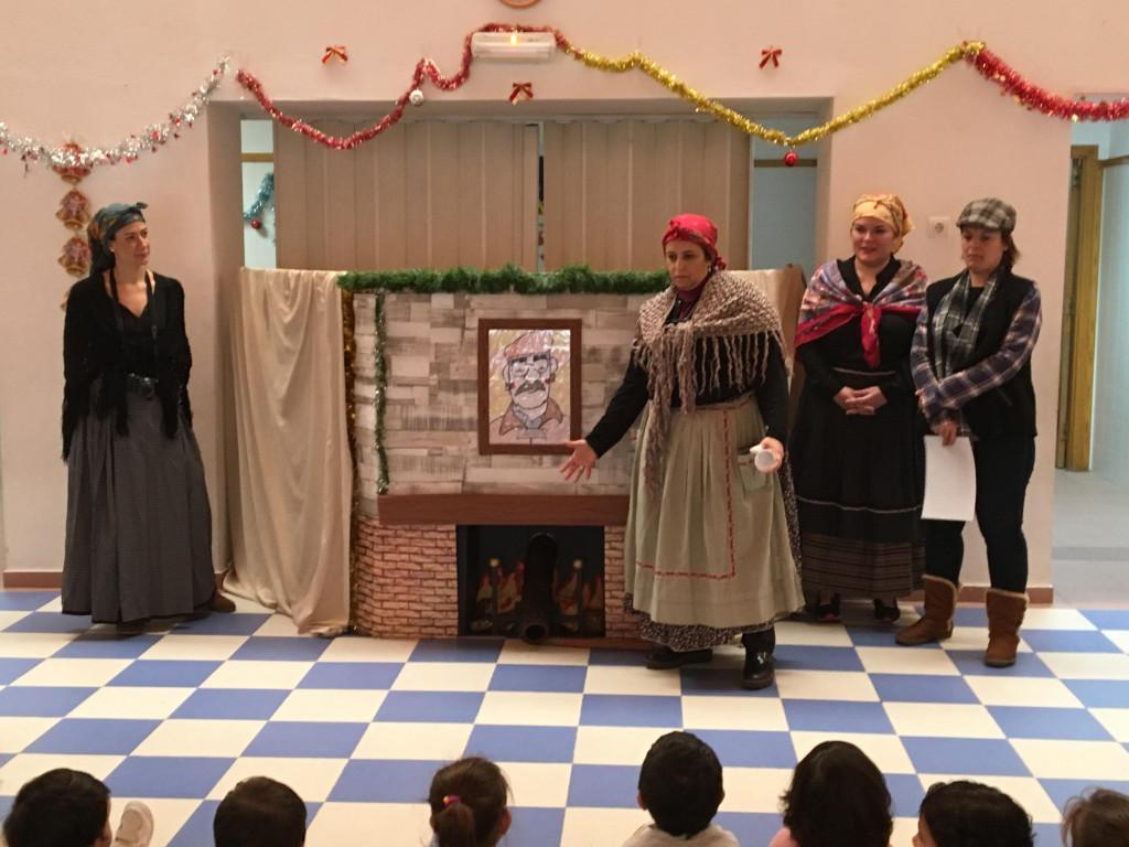 El barrio de l'Almozara de Zaragoza celebra la tradición aragonesa de la Tronca de Nadal