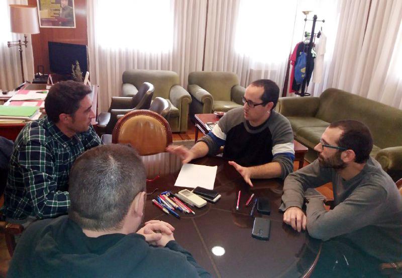 Cubero expresa el apoyo del Gobierno de Zaragoza a la lucha de la plantilla de Megasider