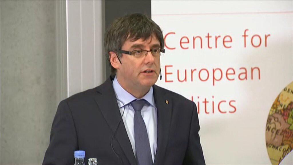 """Puigdemont: """"Es la hora de encontrar una solución política y no penal"""""""