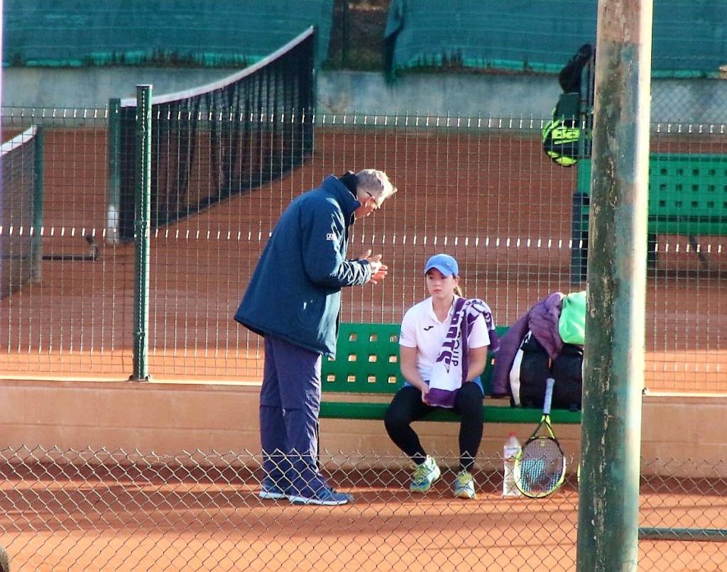Claudia Borbón debuta en competición oficial con el Club Tenis Andrés Gimeno