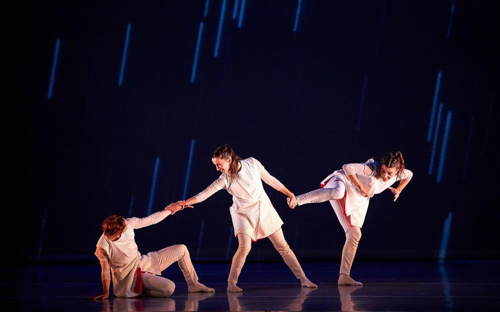 Teatro Arbolé y Tarde o Temprano Danza presentan 'ColorHadas', un espectáculo que recrea el ciclo de la vida