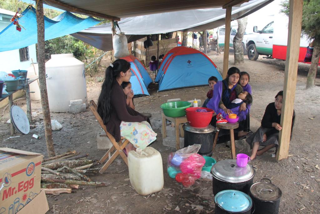 Personas refugiadas en el campo de Pom, Chalchihuitan. Foto: José Luis Martínez