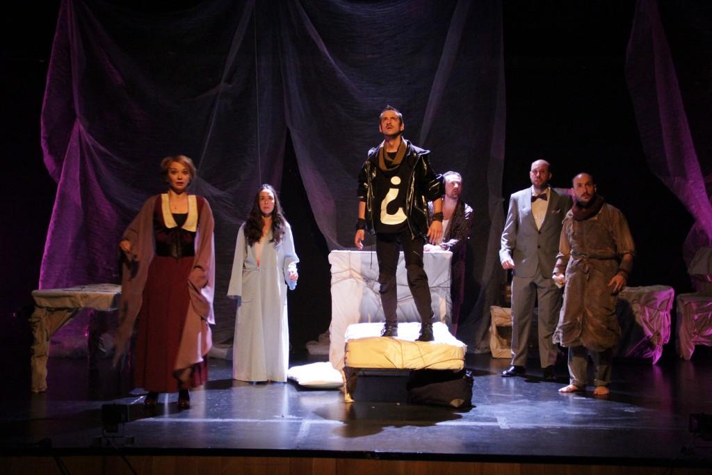 'Los Atroces', de Teatro Defondo, revisita la saga griega de 'Los Átridas' en el Teatro de la Estación