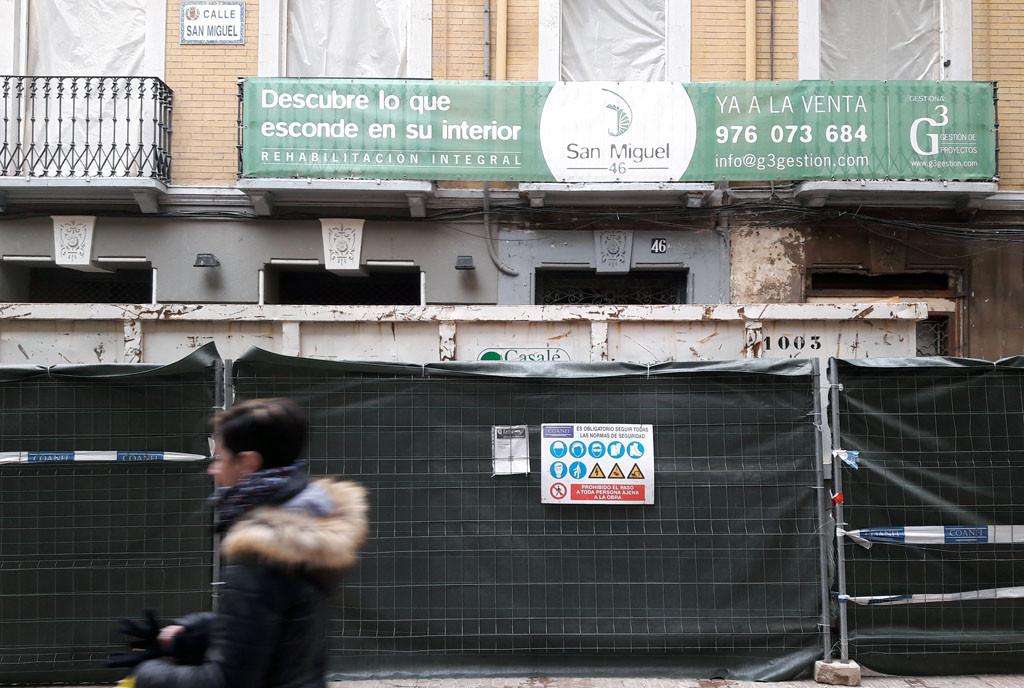 Urbanismo paraliza la obra en la calle San Miguel 46