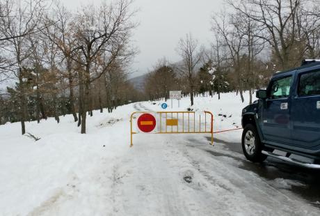 Prohibido el paso del tráfico rodado al Parque Natural del Moncayo en todos sus accesos a causa del temporal