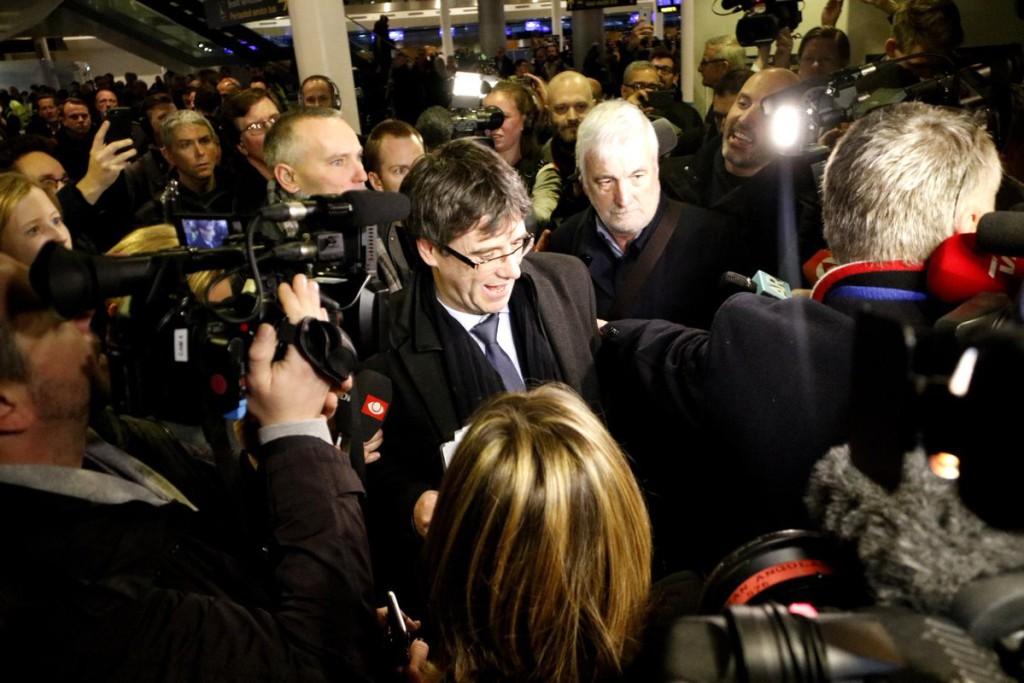 El abogado de Puigdemont sobre pedir permiso al Tribunal Supremo: «Cada vez vemos más lejos esta posibilidad»