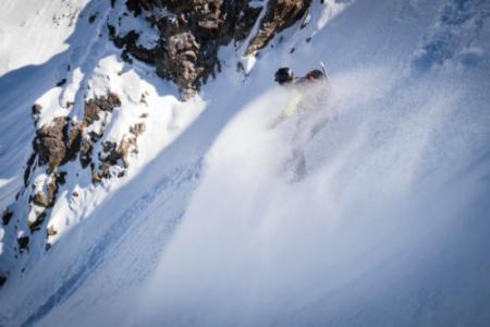 Canfranc acoge el primer festival del Pirineo aragonés dedicado al snowboard de montaña