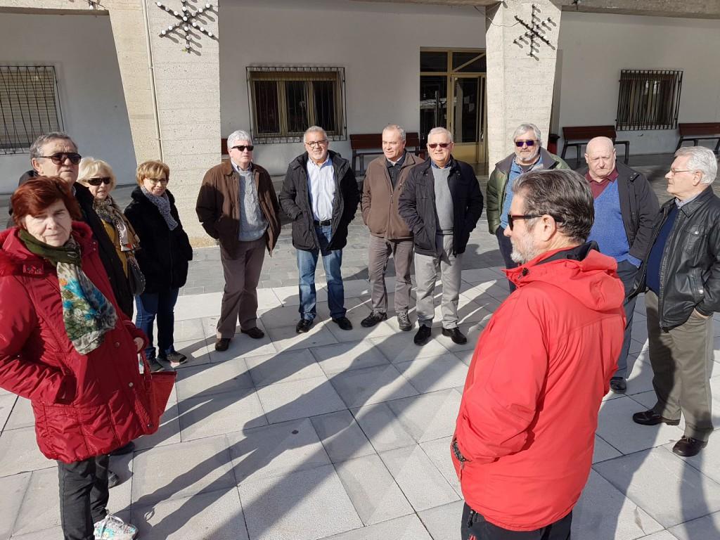 Una veintena de personas protestan en Mequinensa por la pérdida de poder adquisitivo de los y las pensionistas