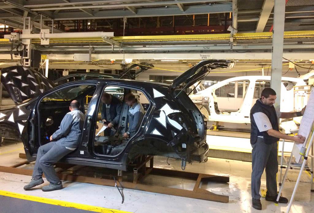 CGT responde ante la exigencia de PSA de abaratar costes en la planta de Opel Figueruelas
