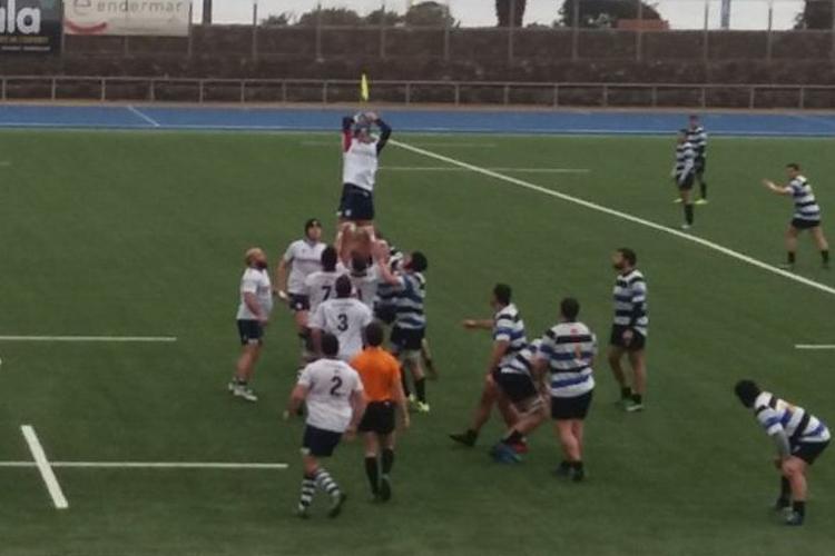 Victoria en Poble Nou de un Rugby Fénix que sigue soñando con el ascenso