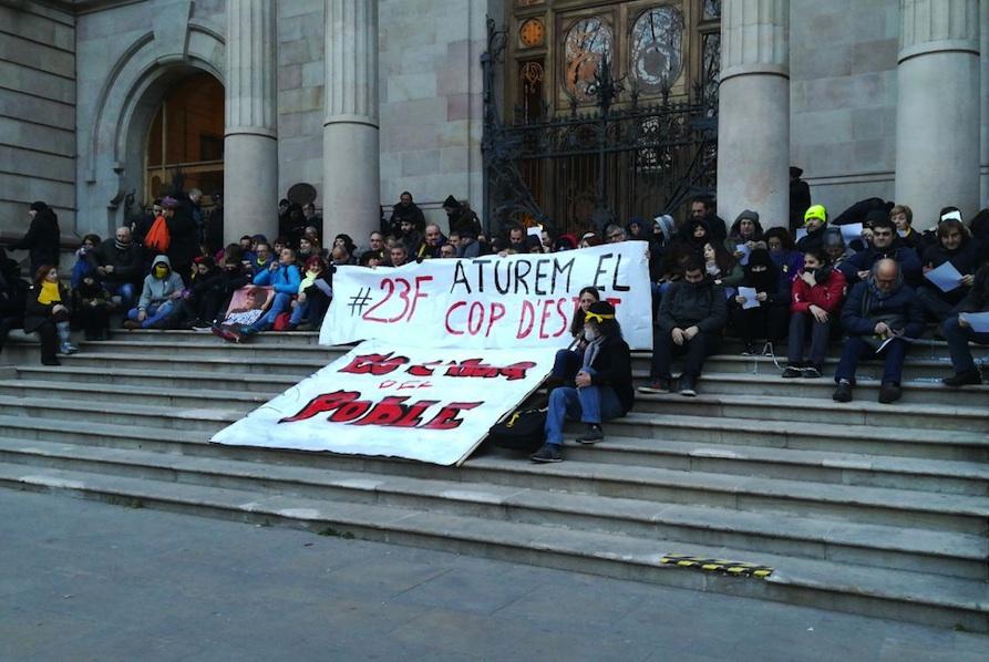 Catorce detenciones tras una acción de los CDR en Barcelona para denunciar la represión