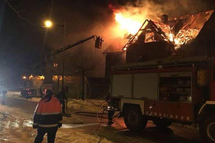 El incendio de Benás confirma la precariedad del servicio de bomberos altoaragonés