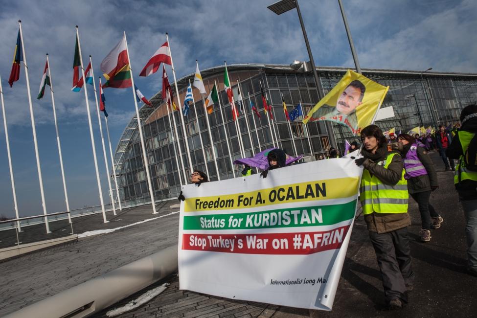 40.000 persones exigen a Estrasburgo una solución para el Kurdistán