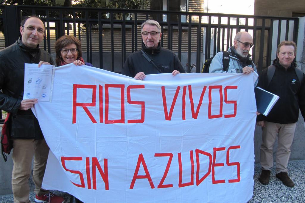 Asociaciones ecologistas piden a la CHE la extinción de la concesión del azud de Zaragoza