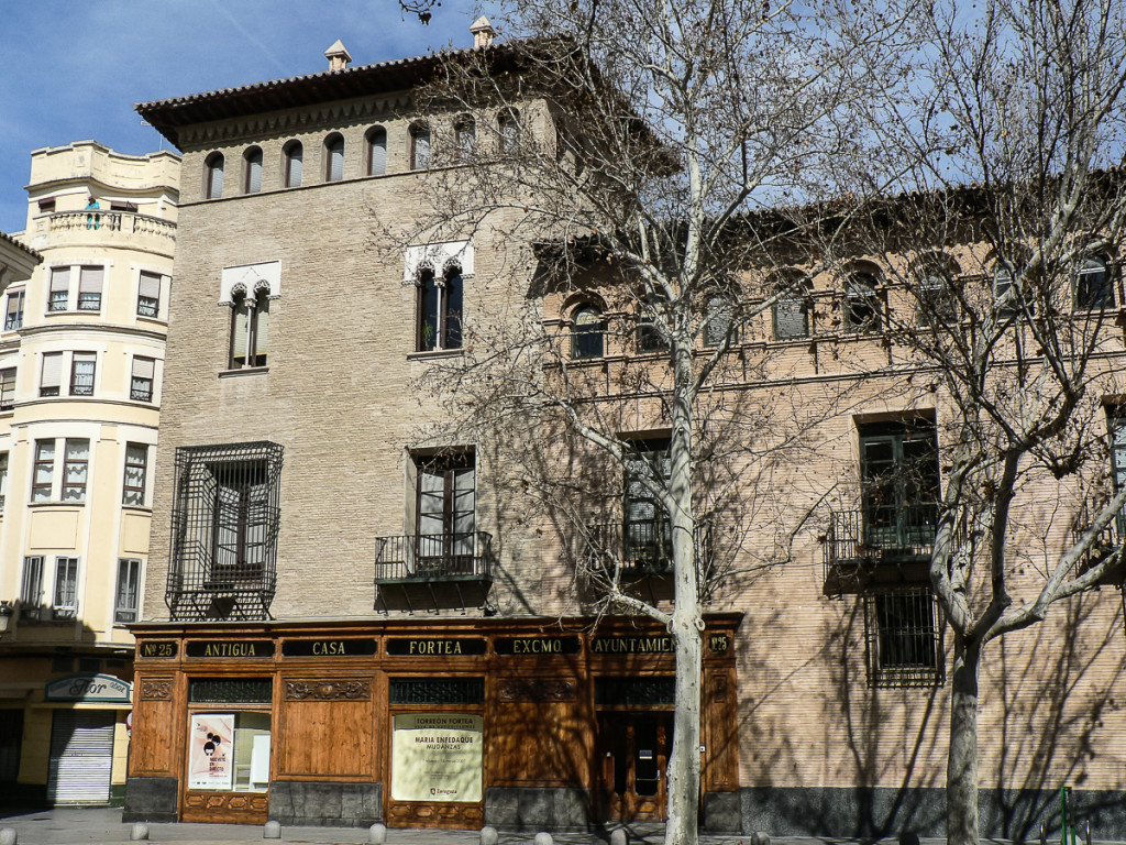 Puyalón denuncia la desaparición de la Ofizina del Aragonés de Zaragoza