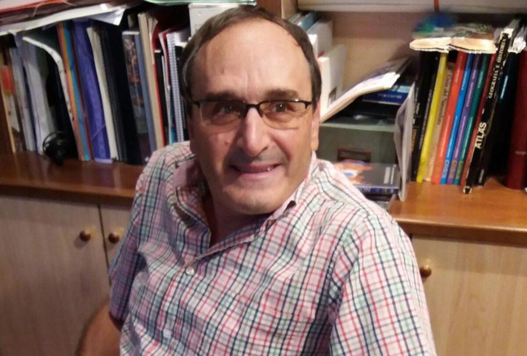 """Mario Sasot presenta en Mequinensa su obra """"Espills trencats"""""""