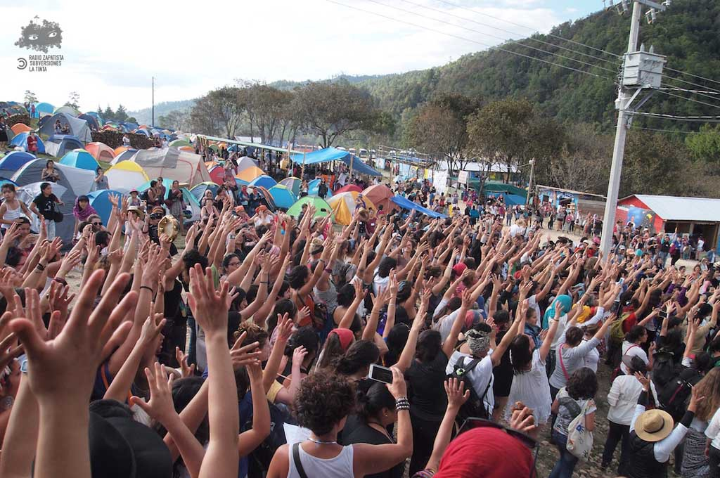 """Miles de """"mujeres que luchan"""" se dieron cita en Chiapas"""