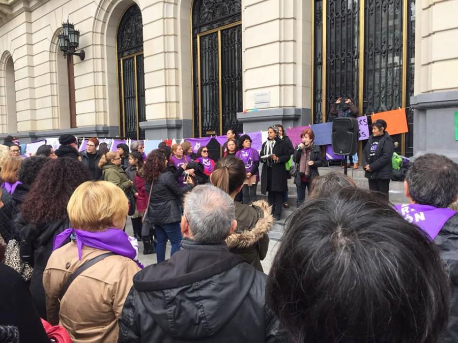 El colectivo de Trabajadoras del Hogar reivindica sus derechos laborales mediante una movilización en Zaragoza