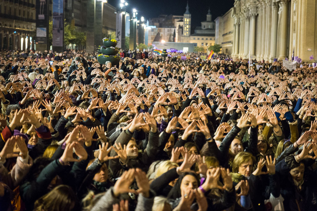 [FOTOS] El movimiento feminista hace historia en Zaragoza
