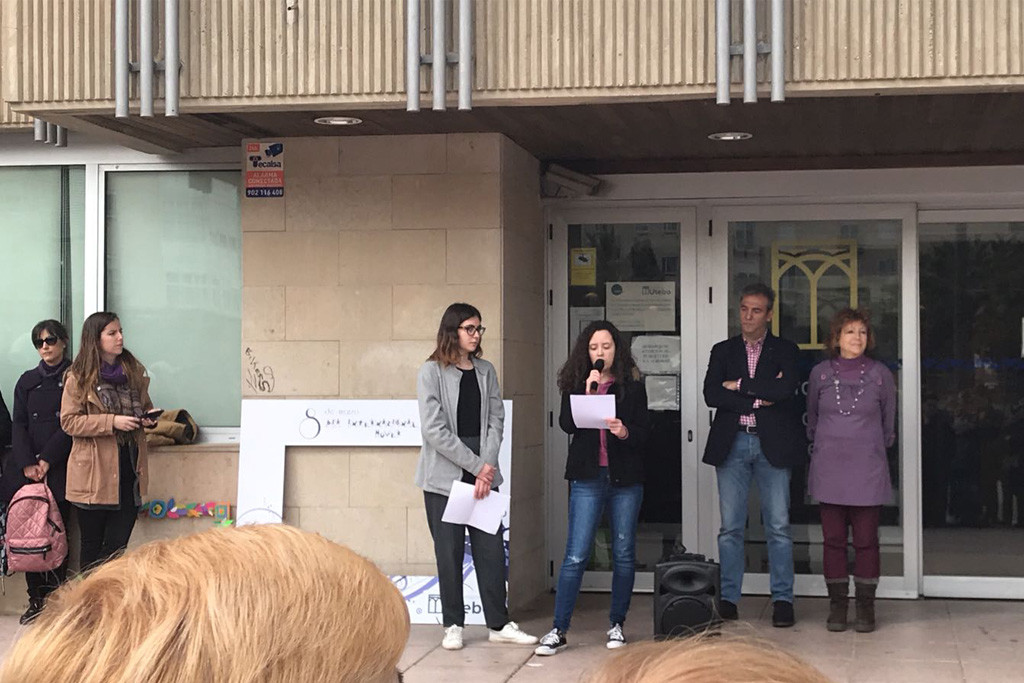 250 personas reivindican la lucha feminista en Utebo