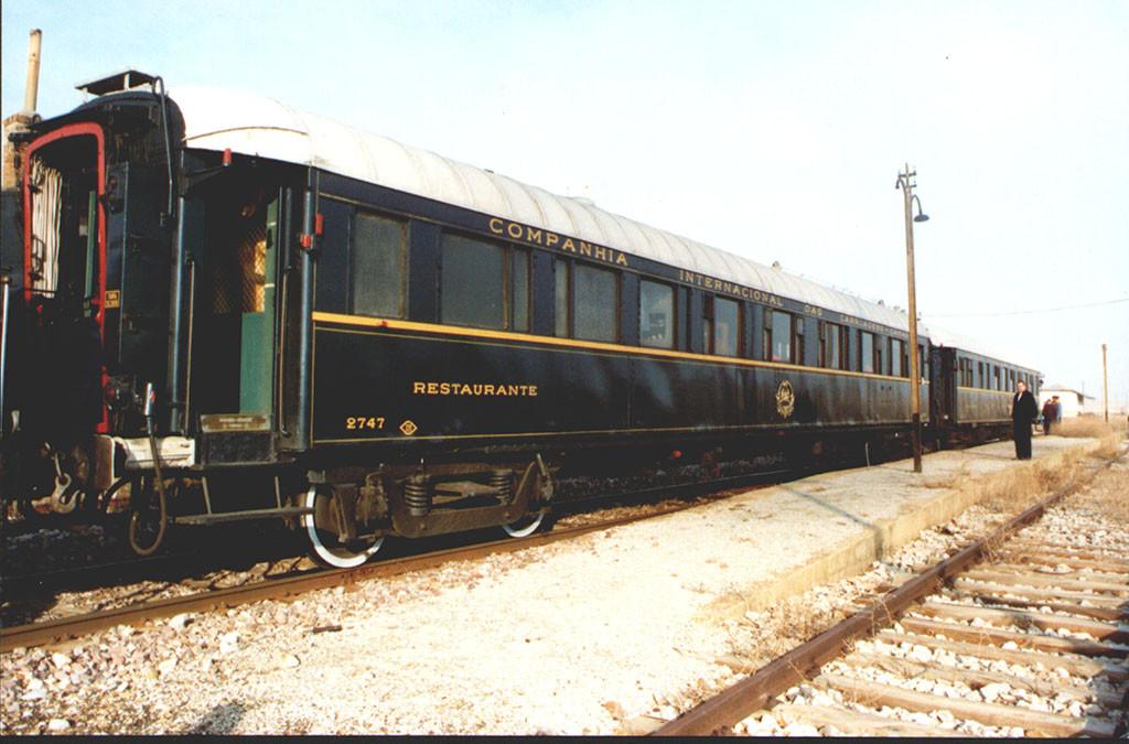 La AZAFT inicia la restauración de dos vehículos históricos para el futuro Museo del Ferrocarril de Aragón