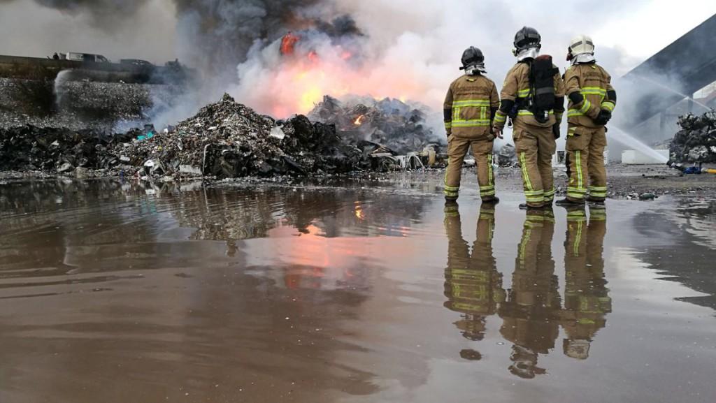 El incendio declarado en el PTR de La Cartuja en Zaragoza ya se encuentra controlado
