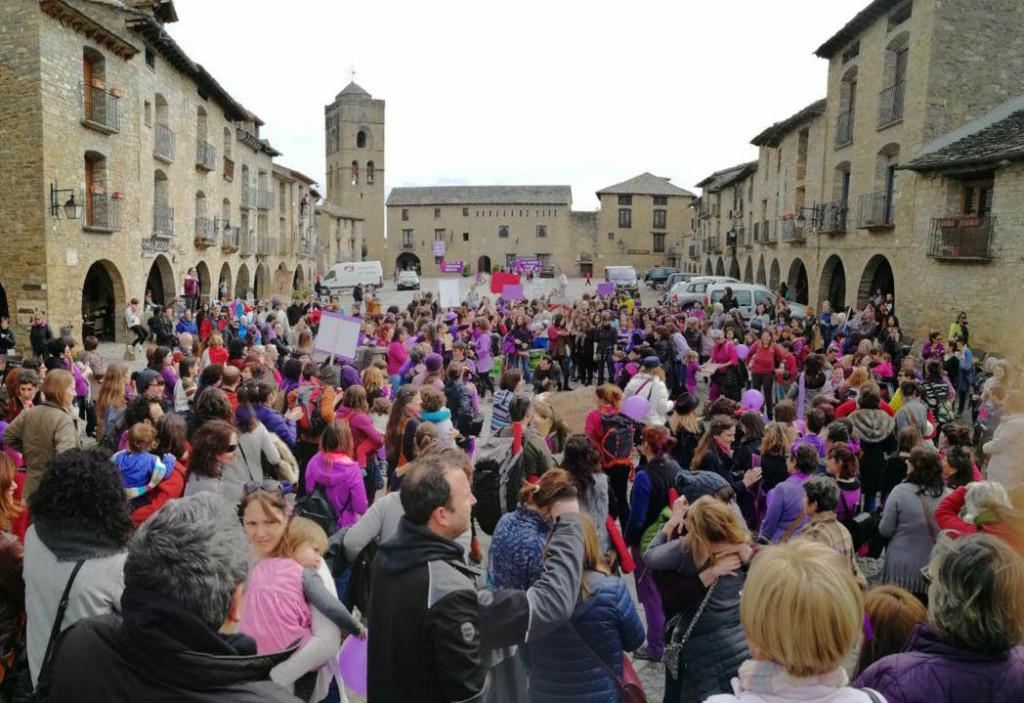 Alto Aragón en Común felicita a todas las mujeres por el «éxito inapelable» de la huelga feminista