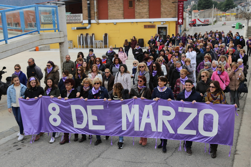 Mequinensa sale a la calle en un reivindicativo Día Internacional de las Mujeres