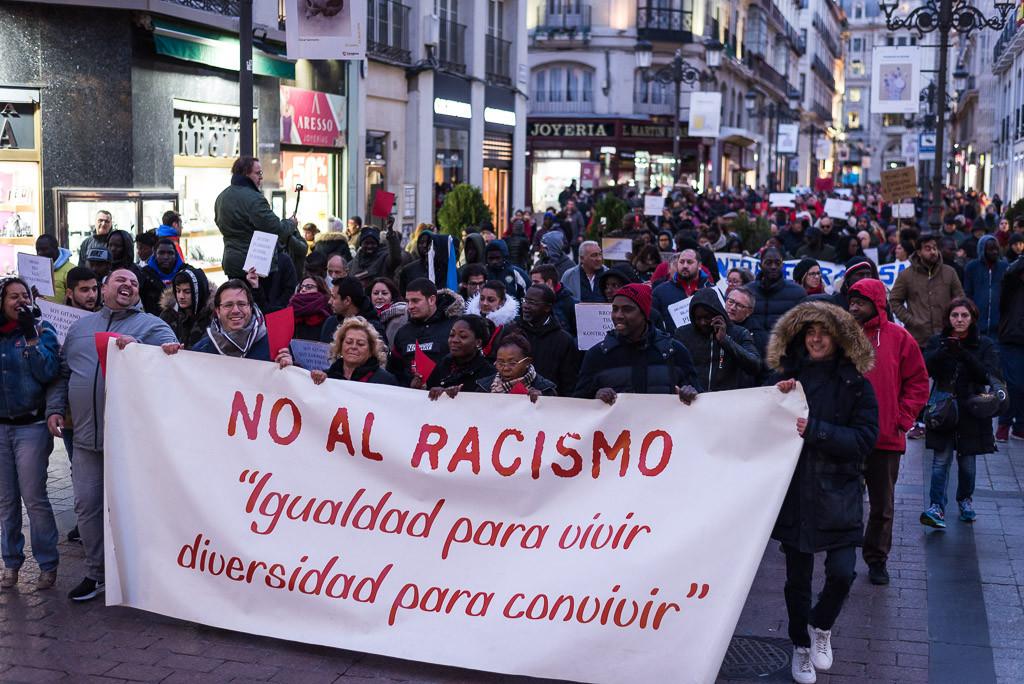 """Zaragoza sale a la calle para reivindicar """"igualdad para vivir y diversidad para convivir"""""""