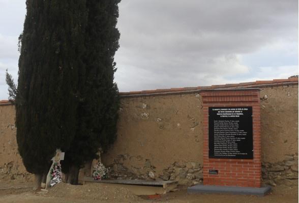 La Asociación para la Recuperación de la Memoria Histórica de Velilla de Jiloca rinde homenaje a las víctimas de la represión franquista