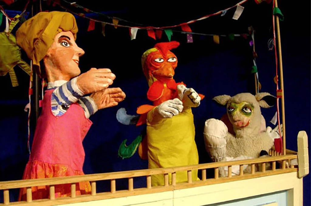 "Teatro Los Claveles presenta ""Miau, Guau, Kikiriki"" en Arbolé"