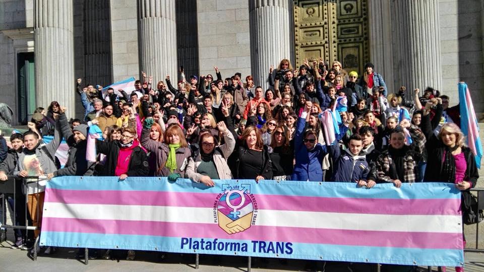 La Plataforma Trans pide la ilegalización de VOX