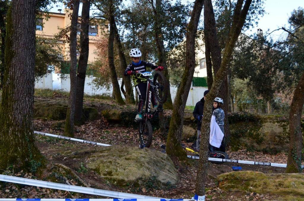 Poldo Sillué lidera la XIX Copa Osona de Bike Trial en categoría open azul