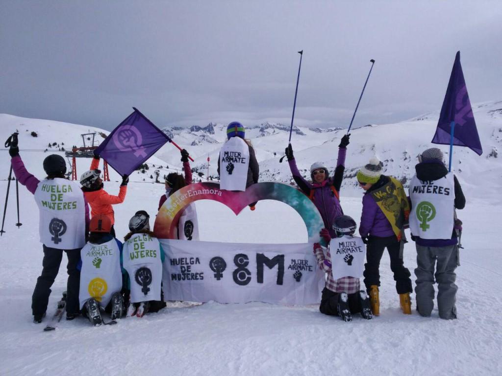 [FOTOS] La huelga feminista se siente en todos los rincones de Aragón