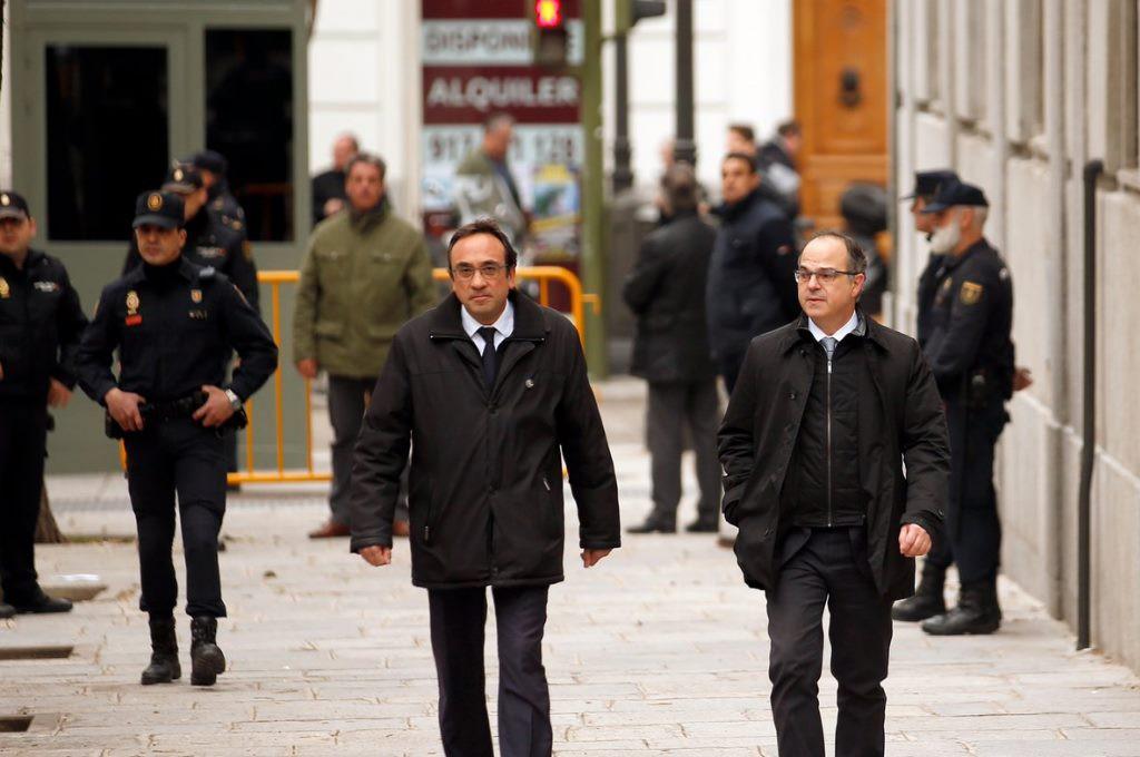 El abogado de Turull, Rull y Sànchez solicita aplazar la vista tres semanas por la vulneración de derechos y el trato a los presos
