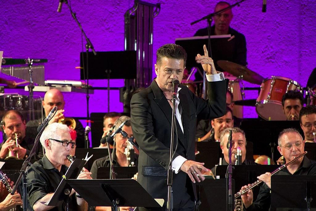 Últimos días para la compra de entradas del concierto 'Vagamundo' de Santiago Auserón en Uesca y Zaragoza