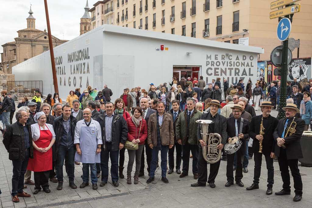 El Mercado Provisional de Zaragoza abre con gran éxito de acogida